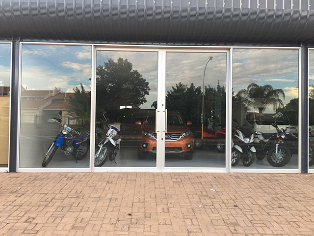 Gordonia Glas & Aluminium Previous Experience | Drankwinkel, Bike World - Honda & Kalahari Tiles Merchant