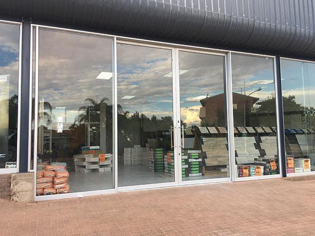 Gordonia Glas & Aluminium Previous Experience | Drankwinkel, Bike World - Honda & Kalahari Tiles Merchant